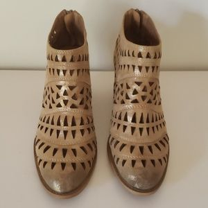 Size 8 Sofft leather bootie